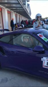 Пътна помощ се повози на порше по пистата в Серес