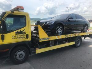 Поредния нов Mercedes отиващ към собственика си :) - Пътна Помощ