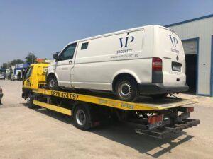 Закъсал VW бус на VIP Security - ВИП Секюрити - Пътна Помощ 24/7 RoadHelp.bg
