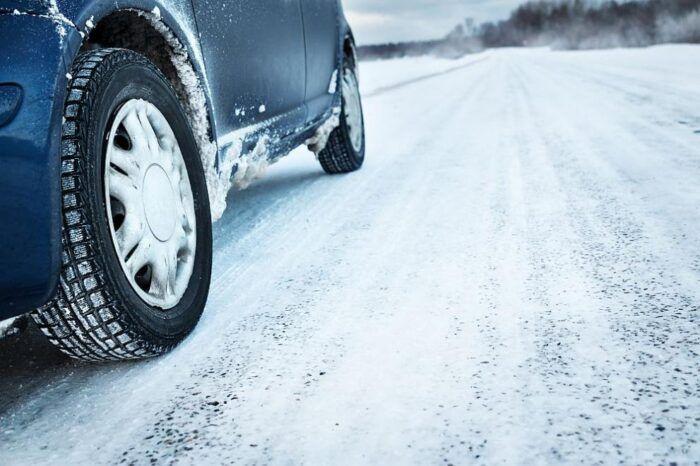 Автомобил в зимни условия
